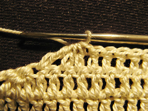 сокращение петель в 8-м ряду вязания