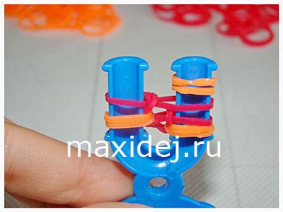 плетение браслетов из резиночек на рогатке колосок