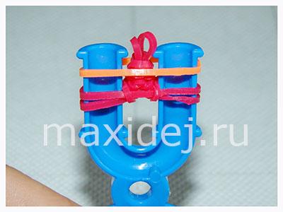 браслет из резиночек на рогатке
