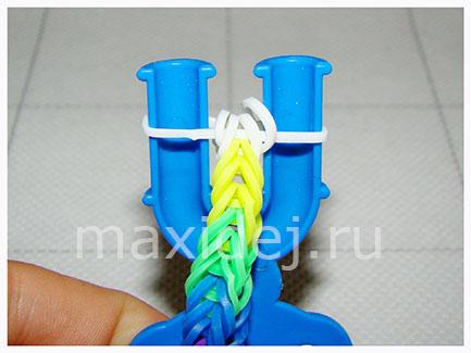 плетение из резинок на рогатке