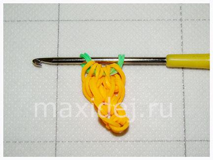 как сделать морковь из резинок