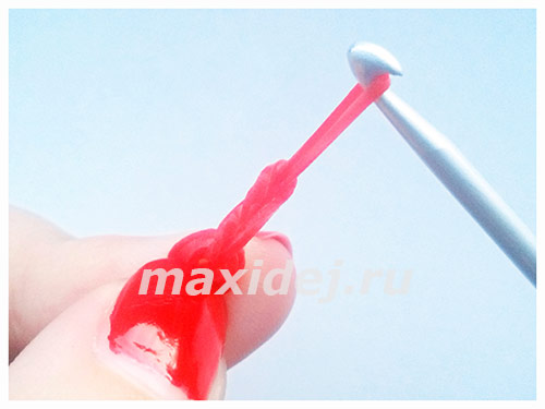 как сделать из резинок ягоды