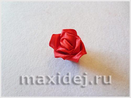 roza-iz-lenty-svoimi-rukami-poshagovoe-foto9
