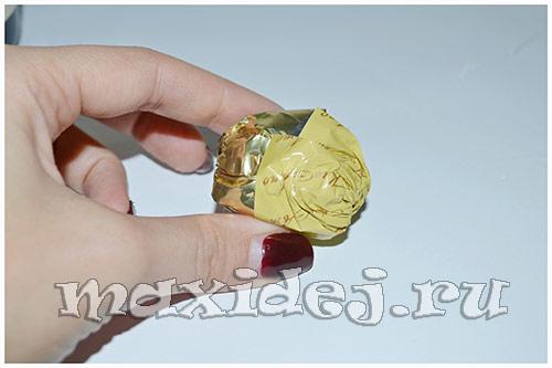 ананас из конфет своими руками